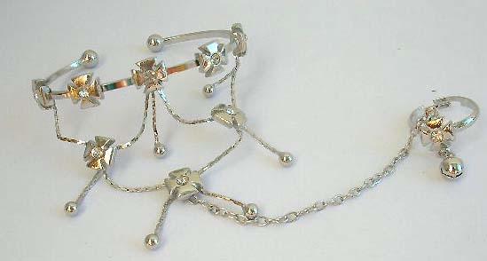 Ladies fashion jewelry importer wholesale Fashion cross pattern slave bracelet with mini clear cz in